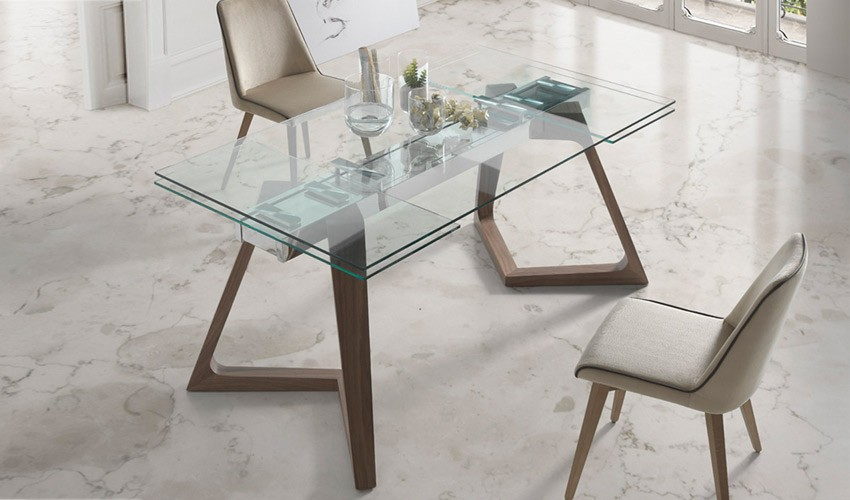 Mesa comedor extensible con tapa de cristal y patas de madera Mesas de cristal pequenas