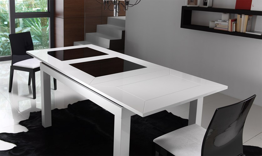 Mesa de comedor de dise o extensible for Mesas de comedor pequenas baratas