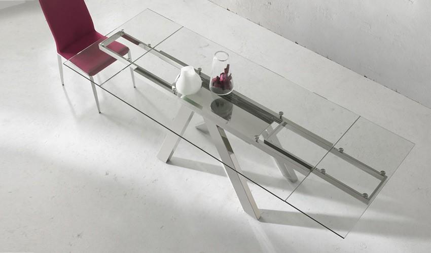 Mesa comedor extensible con tapa de cristal y patas met licas for Mesa cristal y dorado