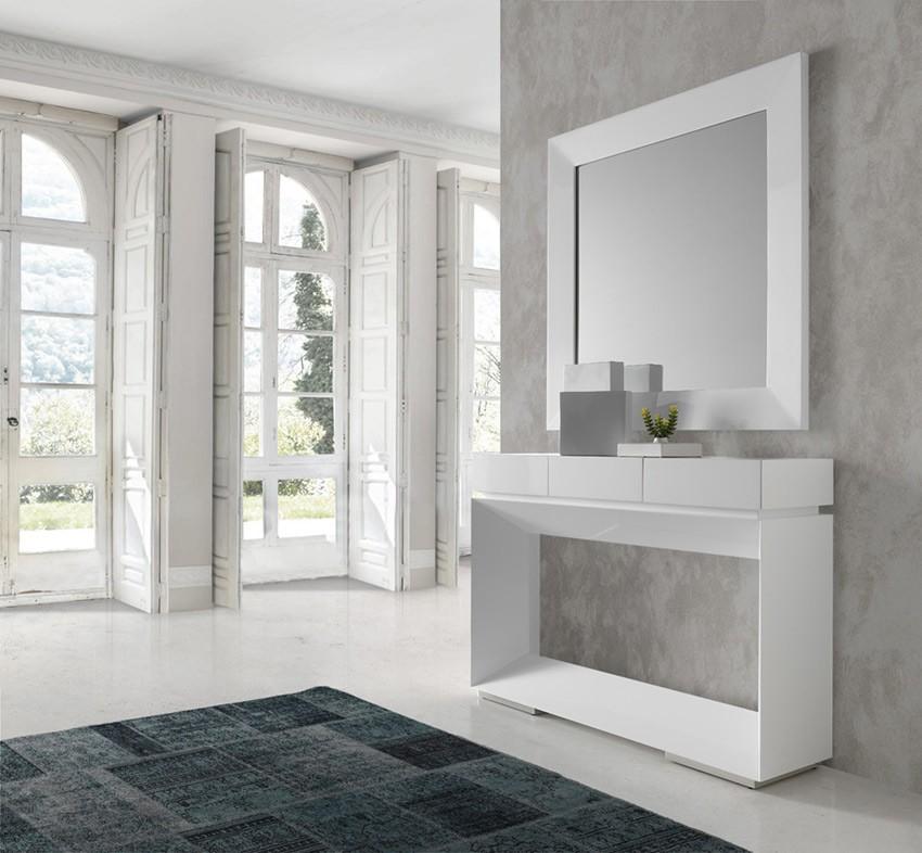 Recibidor con consola y espejo con acabado lacado for Espejo grande recibidor