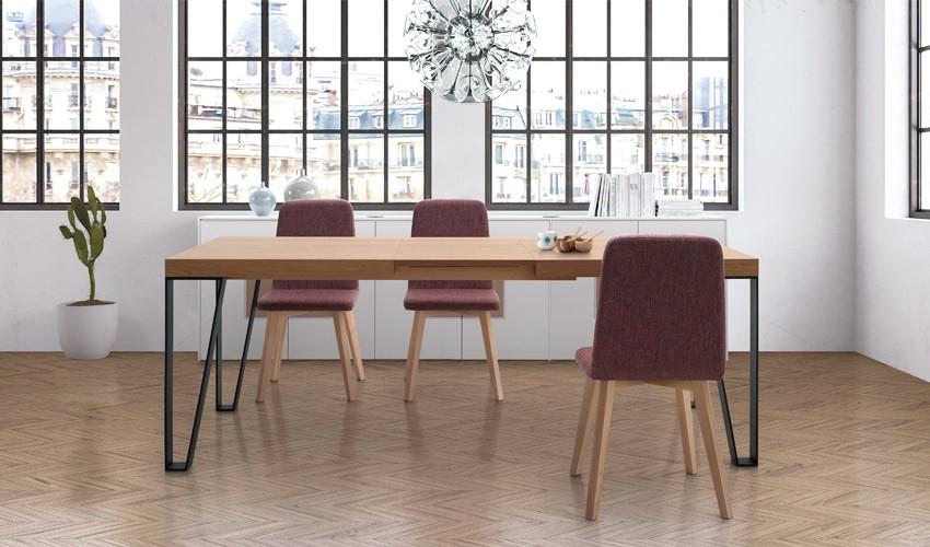 Mesa de Comedor extensible con acabado lacado o en chapa natural y patas  metálicas Ref L166000