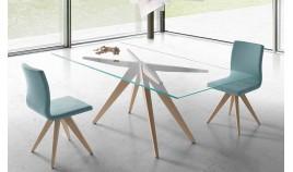 Mesa comedor con originales patas de madera Ref Q118000
