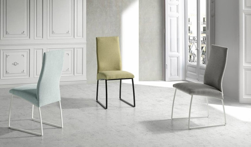Moderna silla Tapizada con estructura metálica Ref Q125000