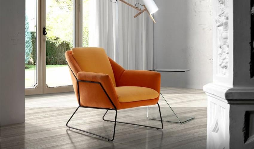 Butaca de diseño tapizada con estructura metálica Ref Q208000