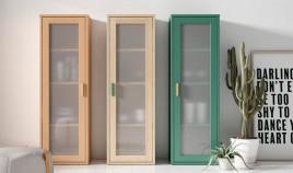 Vitrina fabricada en madera de Pino disponible en diferentes tamaños Ref JI10089