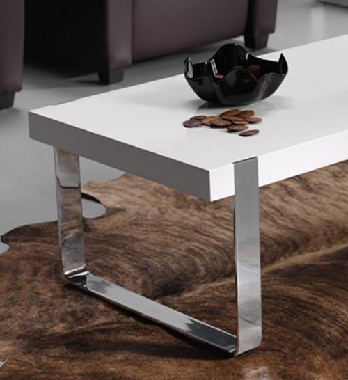 mesa de centro con patas cromadas