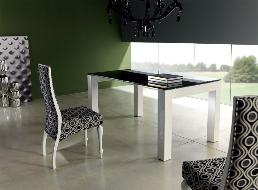 Mesa de comedor de dise o lacada con tapa cristal for Mesa comedor diseno cristal