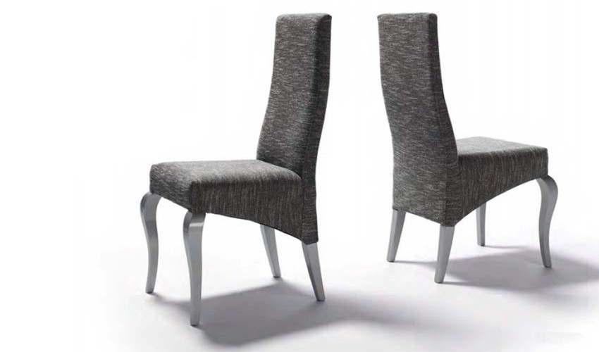 Sillas comedor good comedor con sillas tapizadas en gris for Sillas de comedor tapizadas