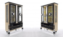 Elegante Vitrina con acabado lacado a elegir Ref L151000