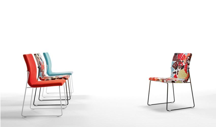 Moderna silla de oficina tapizada en piel ref q16000 for Sillas tapizadas modernas