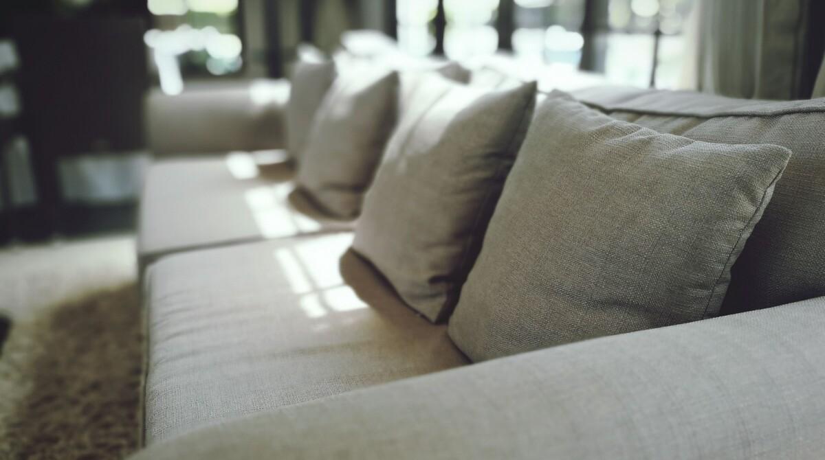 ¿De qué está hecho un sofá?